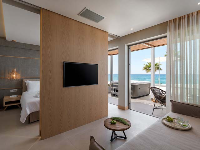 Ikones Seafront Luxury Suites: