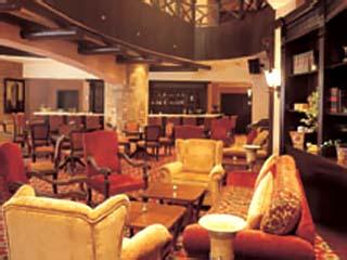 Habtoor Grand Hotel Convention Center & SpaThe Exchange Bar & Restaurant