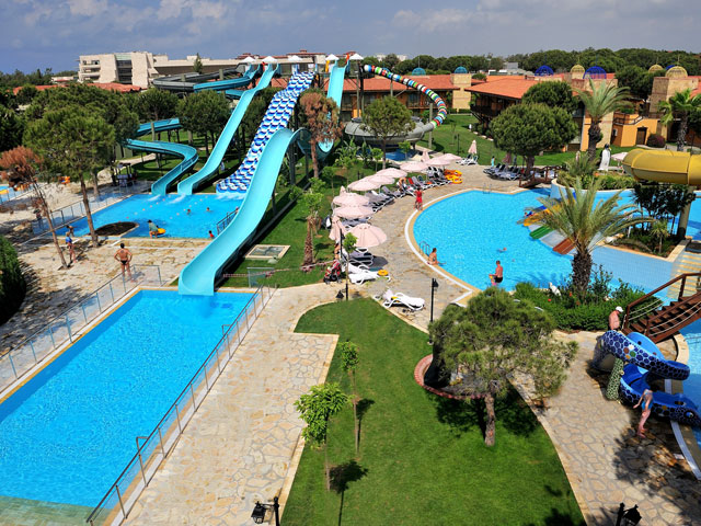 Gloria Golf Resort - Pool & Play Area