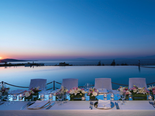 Kempinski Hotel Barbaros Bay: Private dining on the poolside
