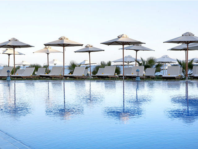 Thalassa Beach Resort (Adults Only):