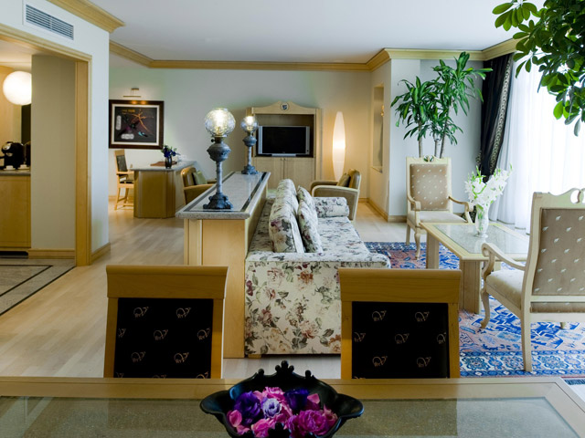 Gloria Verde Resort & Spa - King Suite