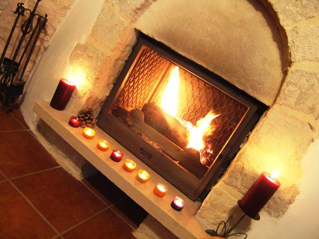 Villa Petra - Fireplace