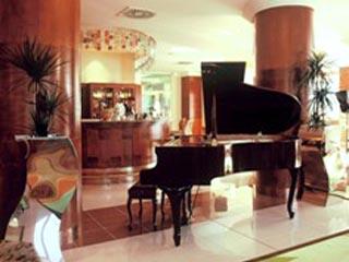 President HotelPiano Bar