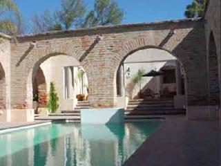 Hacienda SepulvedaSwimming Pool
