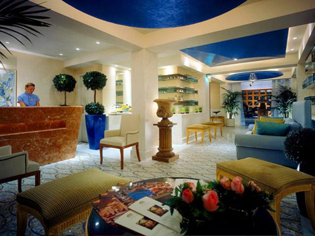 Grande Bretagne Hotel: Spa Reception Area