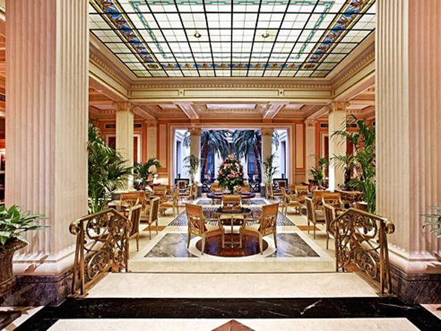 Grande Bretagne Hotel - Restaurant Winter Garden Overview