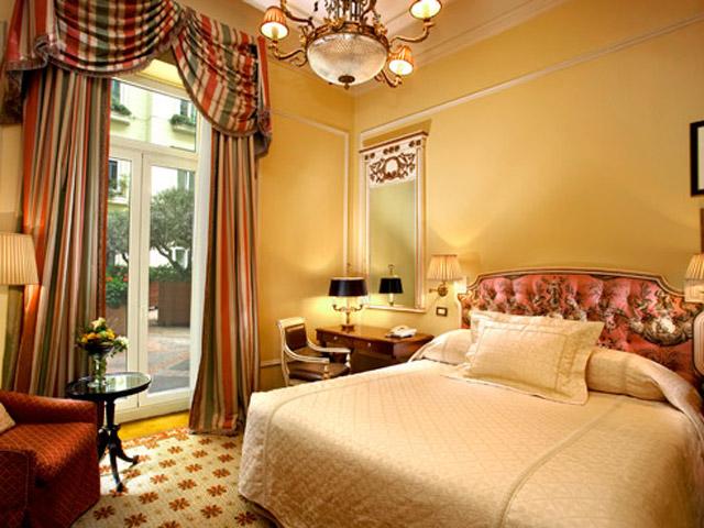 Grande Bretagne Hotel - Classic Room - Bedroom