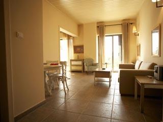 Domaine Helios Suites by Semeli: Orange Suite
