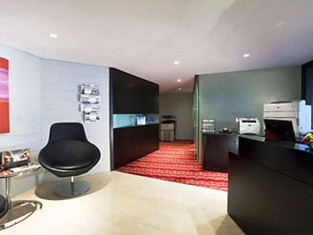 Dubai Marriott Harbour Hotel & SuitesBusiness Center