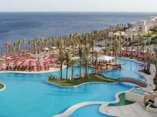 Grand Rotana Resort & SpaSwimming Pool