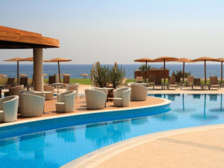 Elysium Resort & Spa: Pool Bar
