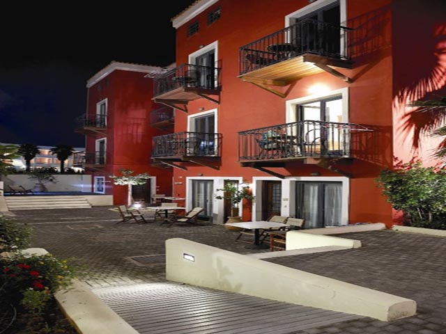 Grecotel Plaza Spa Suites: