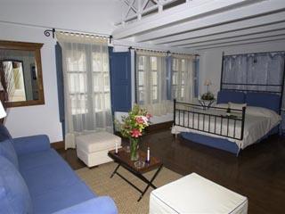Luxury Maisonette / Superior Suite