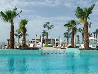 Crowne Plaza Dubai Festival CitySwimming Pool