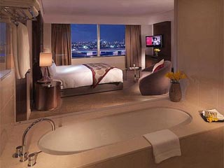 Crowne Plaza Dubai Festival CityPanoramic Views from the one bedroom suite