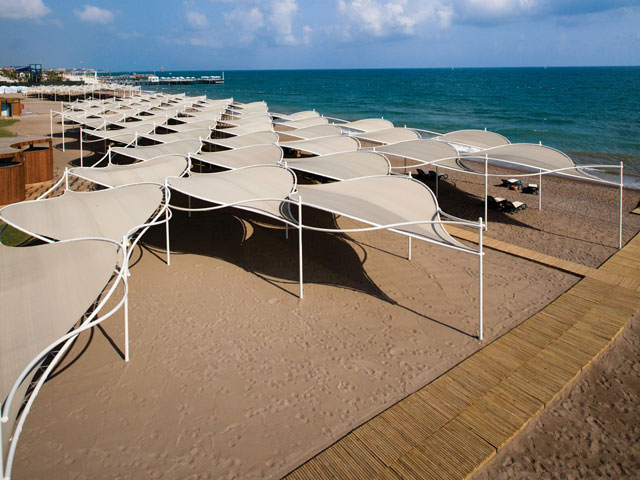 Cornelia Diamond Golf Resort & Spa: Exterior View Beach Area