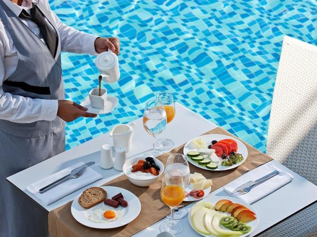 Lesante Luxury Hotel & Spa: Pool Area