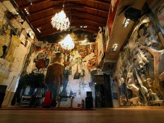 Leventis Art Suites: Hall