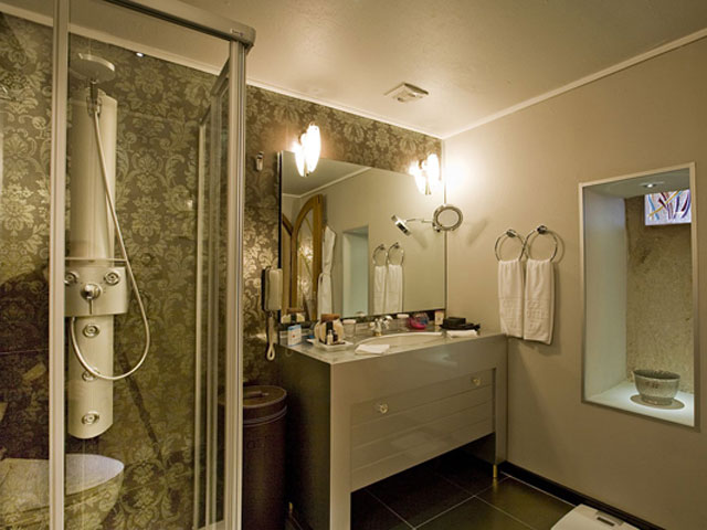 Cappadocia Cave Resort & Spa - Senior Suite Bathroom