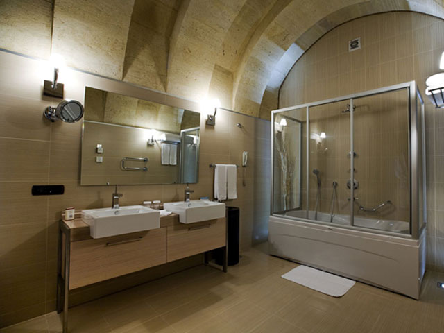 Cappadocia Cave Resort & Spa - Standar Double Room Bathroom