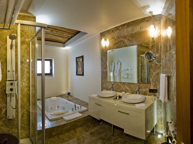 Cappadocia Cave Resort & SpaStandar Twin Bathroom