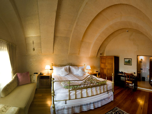 Cappadocia Cave Resort & Spa - Deluxe Suite Bedroom