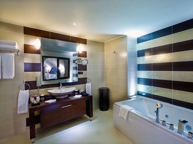 Cappadocia Cave Resort & Spa - Padishah Suite Bathroom