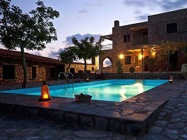 Aoritis Villas: Night View