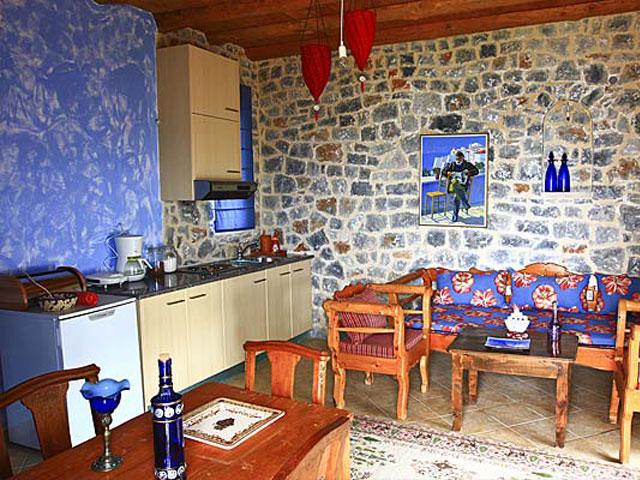 Aoritis Villas: Attitamos Maisonette Kitchen