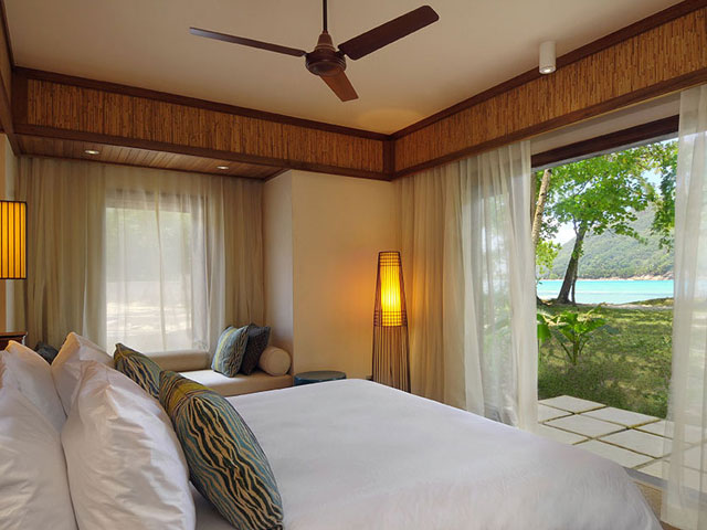 Constance Ephelia Resort - Bedroom