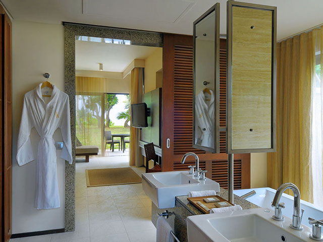 Constance Ephelia ResortBathroom