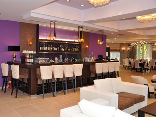 Amalias Hotel: Arethusa Bar Restaurant