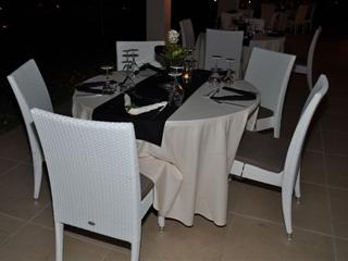 Amalias Hotel: Restaurant Pool View