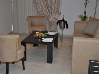 Amalias Hotel: Siting Room, Suite