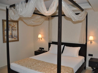 Amalias Hotel: Bedroom, Suite