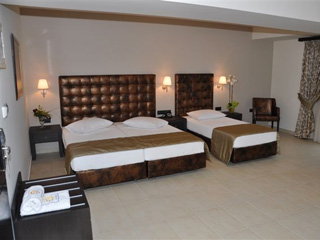 Amalias Hotel: Triple Room
