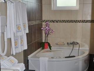 Amalias Hotel: Jacuzzi, Suite