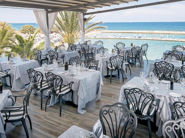 Nana Beach Hotel: