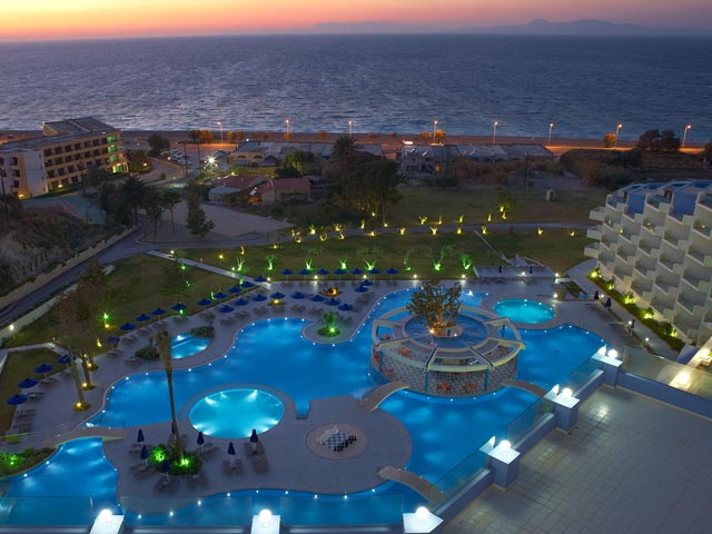 Atrium Platinum Spa & Convention Resort: