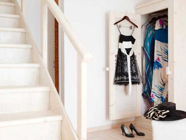 Thermes Luxury Villas: Wardrobe