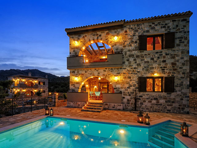 Ierapetra Villas - Exterior Night View
