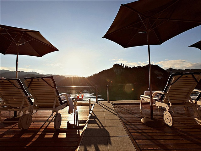 Sava Grand Hotel Toplice - Sunbeds and umbrellas