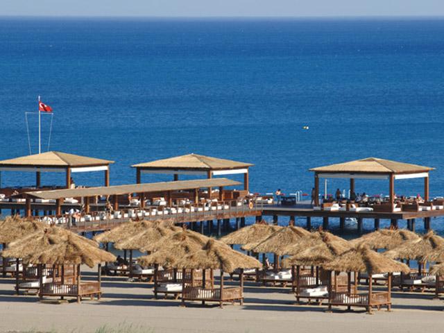 Gloria Serenity Resort: Beach Area
