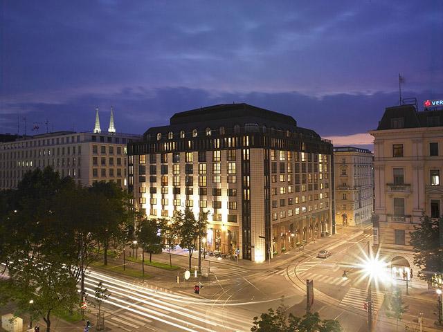 Hilton Vienna Plaza Hotel - Exterior View