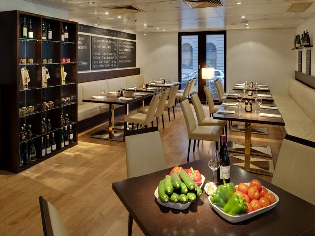 Hilton Vienna Plaza Hotel - NASCH Restaurant