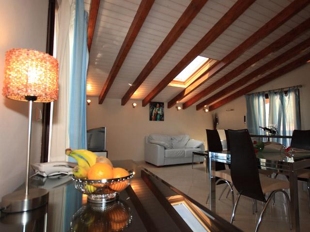 Zigouris House Living room