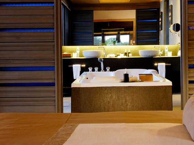 Sri Panwa Phuket - Luxury Villa Bathroom