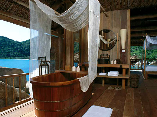 Six Senses Ninh Van Bay - Rock Villa Bathroom