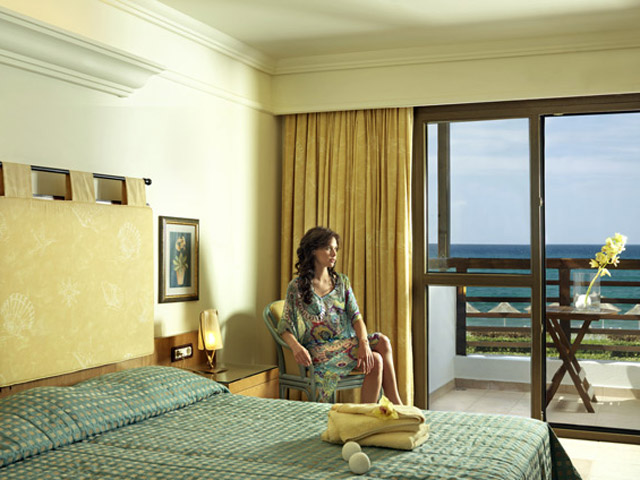 Aldemar Knossos Royal Village: Sea View Room
